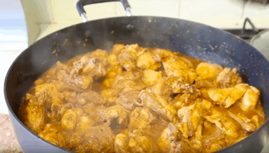 Chicken And Chickpea Curry Pakistani
